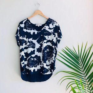 LOFT Floral V-Neck Short Sleeve Blouse Navy Blue M